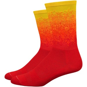 "DeFeet Aireator 6"" Ombre Socks - Red/Orange/Yellow"